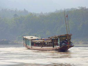 Bateau-public- mékong-Laos