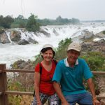 sylvie et son guide reperage au laos
