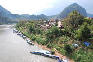 trek Nong Kiaw Laos