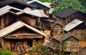 Laos-Muang Khua-village-ethnies Akha